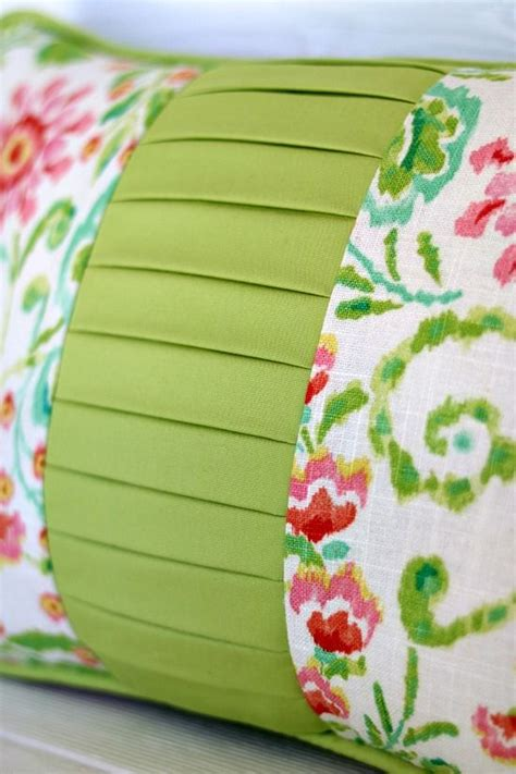 Sewing Patterns For Pillows by 25 Best Ideas About Pillow Tutorial On Fabric