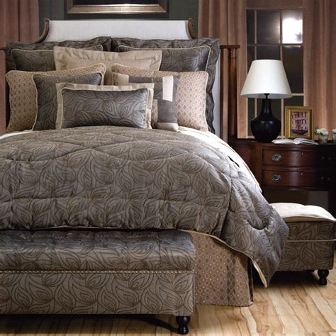 Master Bedding Sets 17 Best Images About Bedspreads Comforters On Master Bedrooms Quilt And Gray Bedding