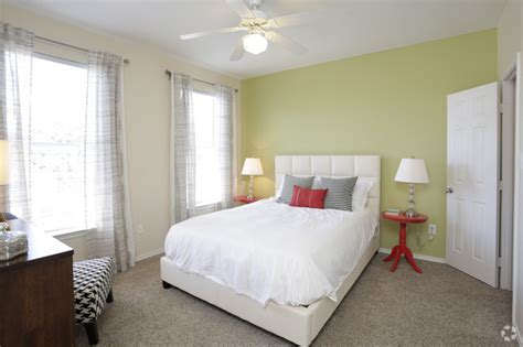 4 bedroom apartments plano tx heritage at lakeside rentals plano tx apartments com