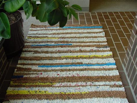 plarn rug 1000 images about plastic recycling braided rugs bags