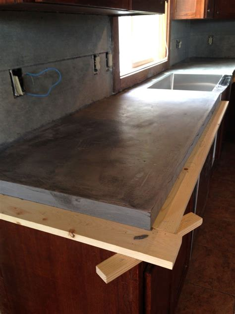 Choosing Countertops Laminate Diy Diy Concrete Counters Poured Laminate Top To Follow On Diy