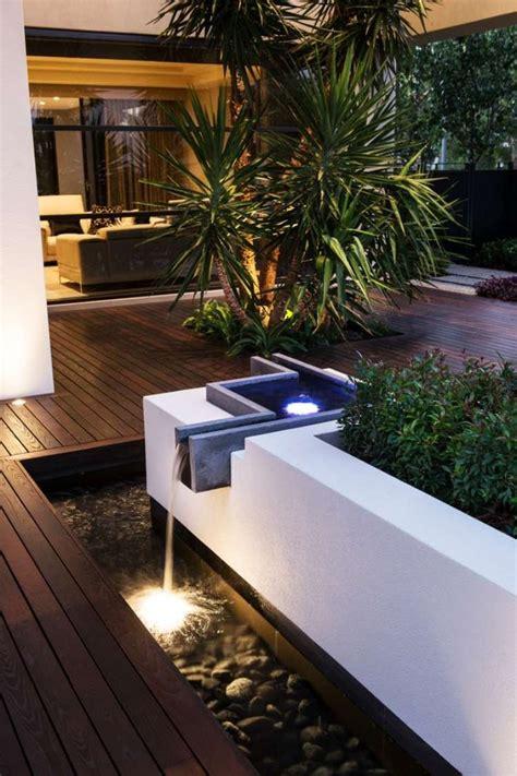 Impressionnant Fontaine De Jardin Moderne #7: A679473bc2a8a14161ac2aa96d432997--garden-modern-backyard-lighting.jpg