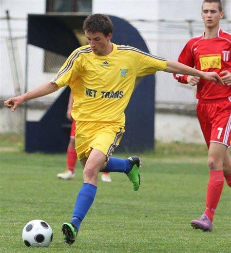 aleksandar petrovic soccer knee rehabilitation with soccer player aleksandar simic
