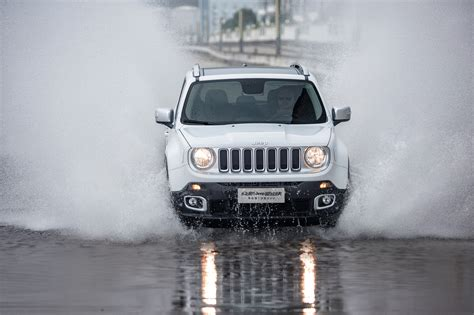 Jeep 4096 White Black wallpaper jeep renegade limited spray white cars