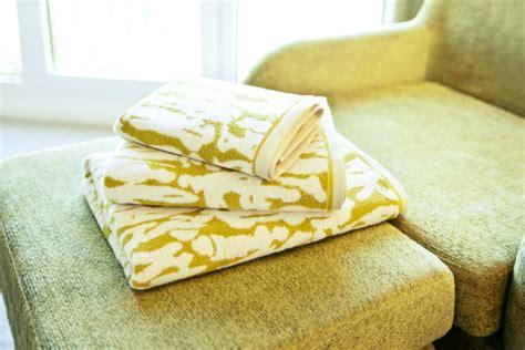 bagno giallo bagno giallo il colore sole nella tua casa westwing