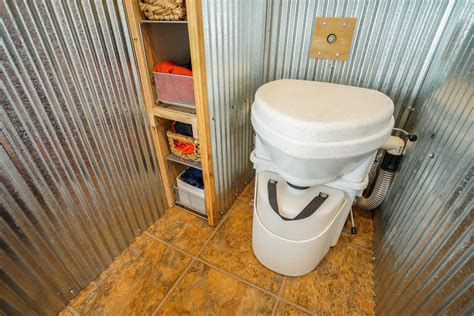 The Perfect Tiny House Composting Toilet How To Use The Composting Toilet Tiny House