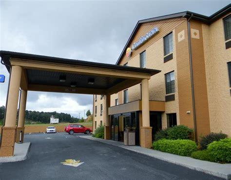 comfort inn oak hill wv comfort inn new river 61 7 5 prices motel