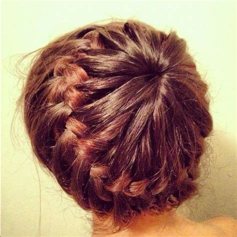 jlo braid inn middle of hair make a ponytail in the middle of your head leaving an