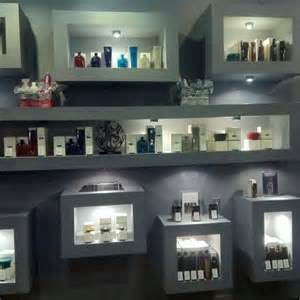 salon display shelves best 25 retail shelving ideas on retail