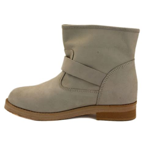 Weinbrenner Phili Slip On Shoes coolway philip womens slip on leather ankle boots sand