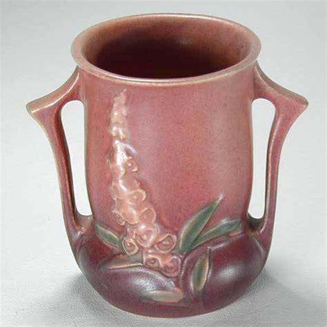 roseville pattern numbers roseville pottery foxglove vase 42 4 vintage 1940s