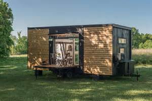 tiny house builders new frontier tiny homes the coolector