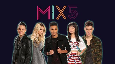la banda de los mix5 es el nuevo fen 243 meno musical juvenil que naci 243 en la banda 2016 live la banda univision