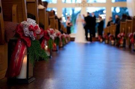 Christmas Wedding Aisle Decor Ideas ? Winter Wedding Aisle