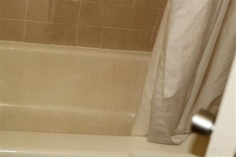 dirty bathtubs dirty under bed picture of howard johnson macon macon tripadvisor