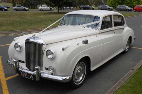 bentley silver cloud lwb bentley silver cloud ii silver service limos