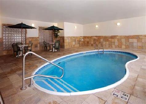 does the comfort inn have a pool pool picture of comfort inn and suites deadwood