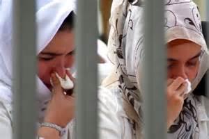 tattoo di mata islam jam malam bagi perempuan aceh perlu dikaji republika