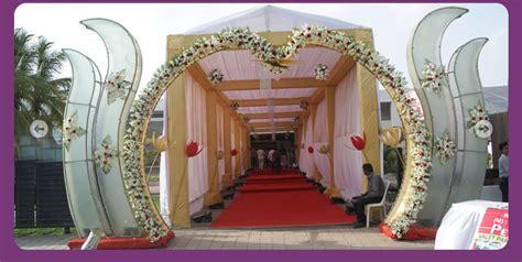 A WEDDING PLANNER: Indian Wedding Hall and Mandap Entrance