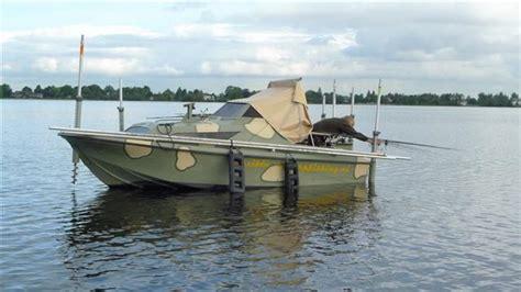 rubberboot voor karpervissen article h 233 t visblad sportvisserij nederland