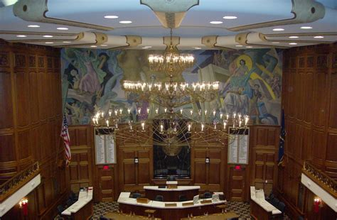 indiana house of representatives file chandelier in house of representatives indiana statehouse jpg wikimedia commons