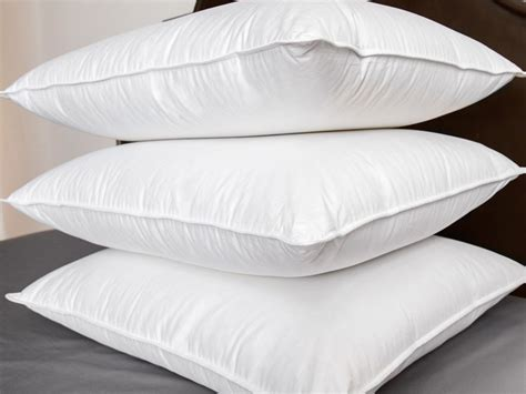 what are the best bed pillows outstanding soft bed pillows 87 with addition home design
