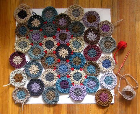 Hexagon Crochet Rug Pattern by Summit Ridge Studio Hexagonprogress