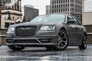 Chrysler 300 E 2018 Chrysler 300 Drive Review