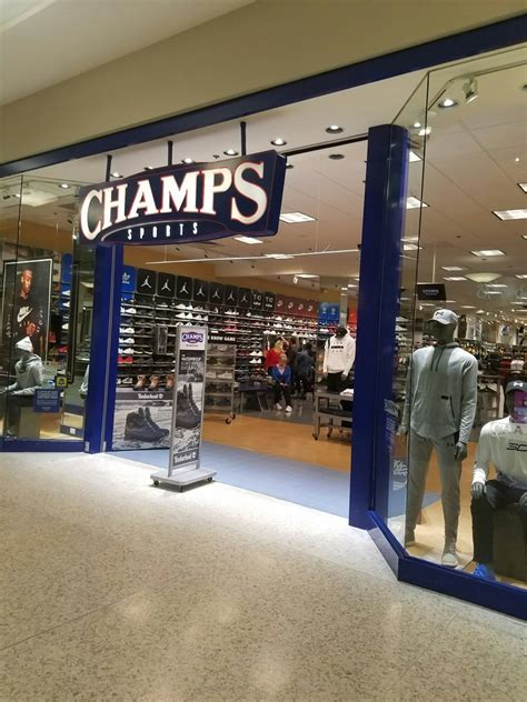 chs sports sporting goods monroeville mall