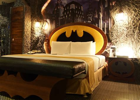theme hotel at taiwan you can stay in a batman themed hotel room in taiwan china