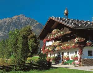 small traditional house design in tirol austria circuit touristique en autriche le tyrol daumin voyages
