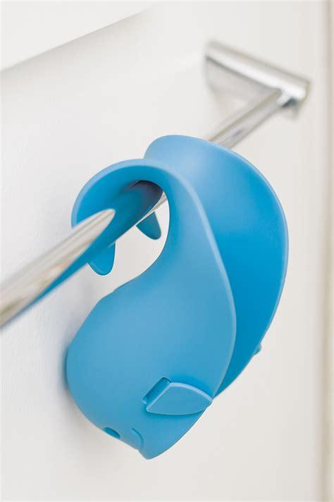 Bathtime Gets Safer With Digital Bath Spout Cover by Skip Hop Moby Bath Spout Cover Universal Fit