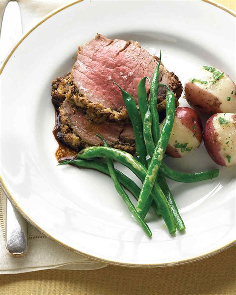 25 best ideas about ina garten beef tenderloin on beef tenderloin with fresh herbs and horseradish recipe