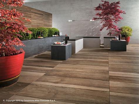 pavimento da esterno effetto legno etic pro pavimenti effetto legno per ambienti esterni