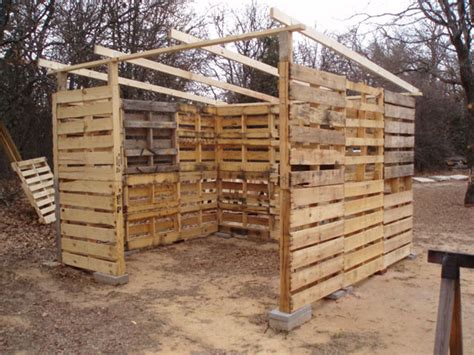 How To Build A Shed Out Of Pallets by How To Make A Shed Out Of Wooden Pallets