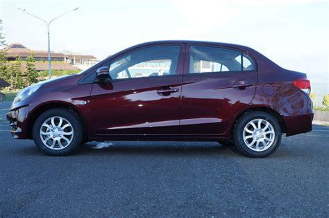 honda brio amaze price honda brio amaze subcompact sedan overview top gear ph