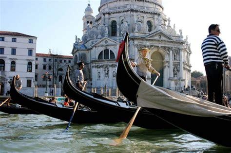 gondola boat price private gondola ride venice italy book gondola gondola