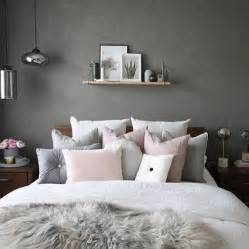 grey small bedroom ideas 25 best ideas about grey bedrooms on grey