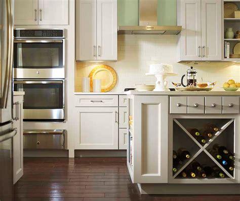 kemper kitchen cabinets shaker crown moulding kemper cabinetry
