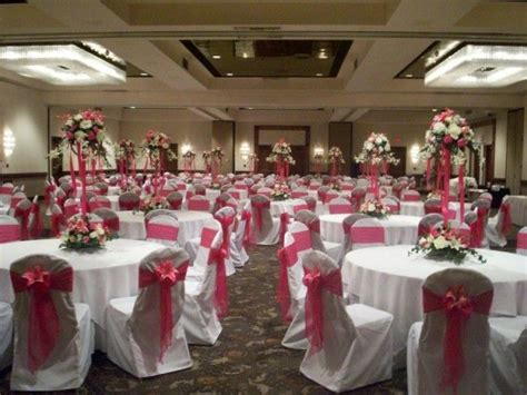 fuschia wedding theme photo gallery risers centerpieces in fuschia la is getting