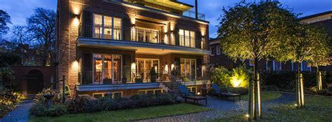 illuminazione facciate illuminazione facciate e parco esterno per villa privata