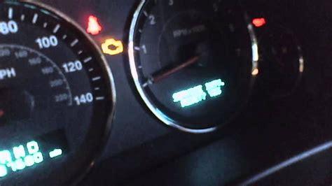 jeep engine light stays on 2006 jeep grand engine light on