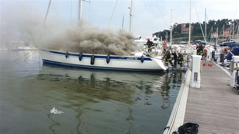 loano web incendio in un imbarcazione ormeggiata a loano tre morti