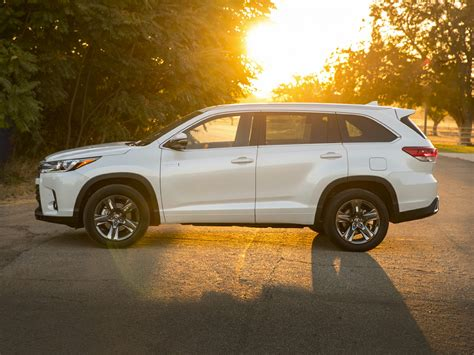 cars toyota 2017 2017 toyota highlander hybrid price photos reviews