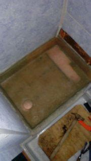piatto doccia vetroresina rifare il piatto doccia in vetroresina
