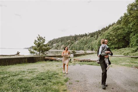 AnneMarie & Jonny's Camano Island Wedding