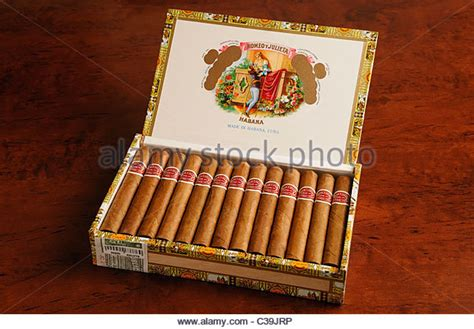 Handmade Cuban Cigars - cigars stock photos cigars stock images alamy
