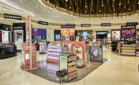 shilla duty  unveils large   changi beauty store