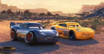 new paint for cars cars 3 why lightning mcqueen got a new paint spoilers