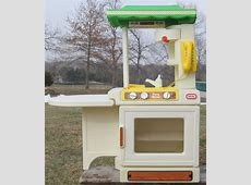 Vintage Little Tikes Party Kitchen Childs Playset Made in ... Little Tikes Kitchen Playset